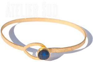 Arlet mat gouden armband met Labradoriet