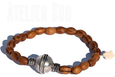 Handgemaakte armband van natuurlijke materialen