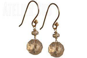 Handgemaakte goud op Sterling zilveren oorbellen met een grote en een kleine facet geslepen gele Citrien edelstenen