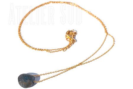Kort handgemaakt fijn goud op sterling zilveren schakelkettinkje met sluiting met een facet geslepen Labradoriet edelsteen