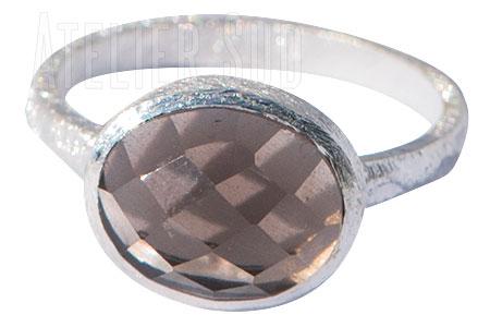 Geborsteld mat Sterling zilveren ring met gefaceteerde Smokey Topaz edelsteen