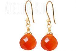 Handgemaakte goud op Sterling zilveren oorbellen met een facet geslepen oranje Carneool edelsteen