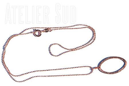 Handgemaakte goud op anti-allergisch metaal met een geborstelde rosé goud op Sterling zilveren, ovaalvormige hanger