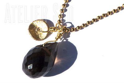 Korte hals ketting van goud plated op metaal met een facet geslepen Smokey Topaas edelsteen